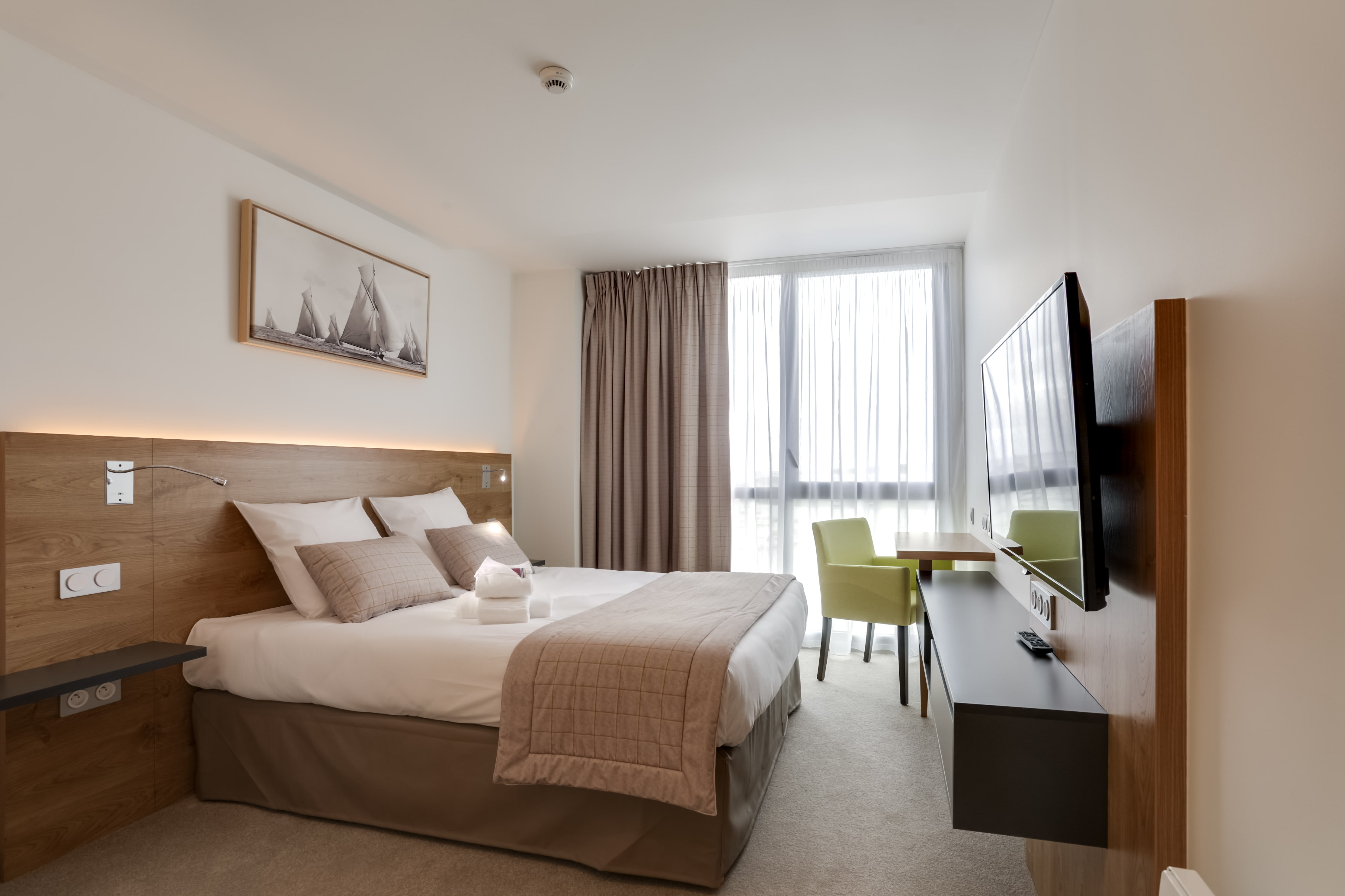 h tel akena nautica perros guirec akena hotels. Black Bedroom Furniture Sets. Home Design Ideas