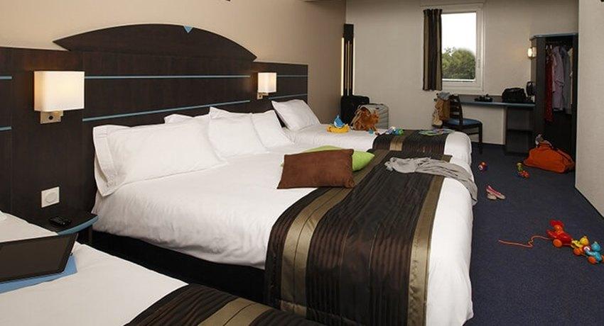h tel akena dol de bretagne akena hotels. Black Bedroom Furniture Sets. Home Design Ideas
